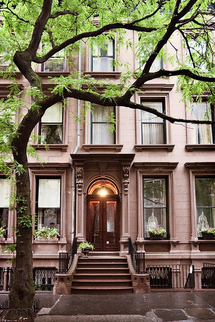Italianate-style row house in n.y. gets an elegant upgrade